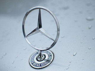 Daimler Trucks Introduces First Electric Truck